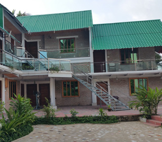 Shampan beach resort front view
